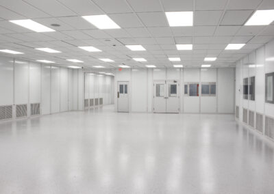 plastic-injection-molding-cleanroom-21