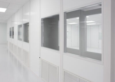 plastic-injection-molding-cleanroom-8